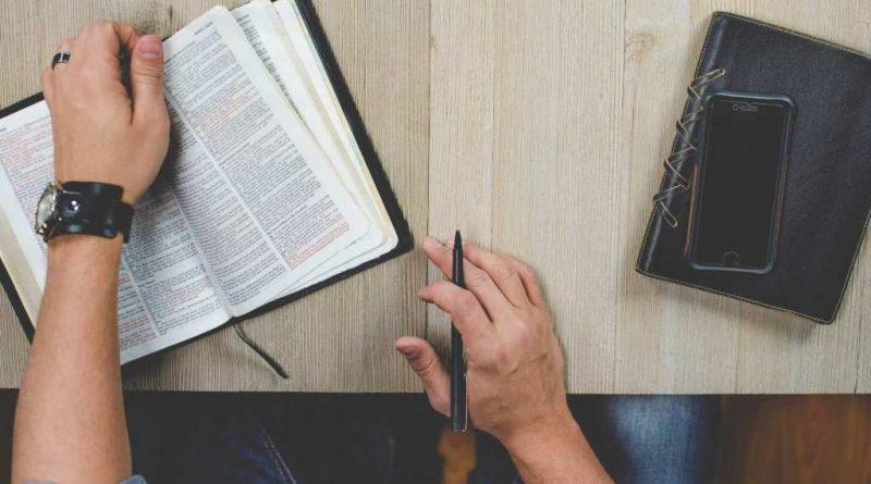 Biblia to bajki? Poezja? Czy prawda?